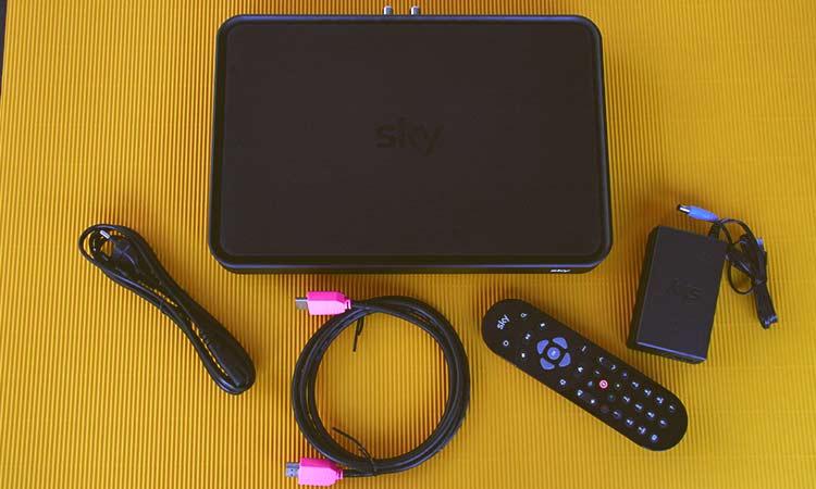 Sky+ Pro UHD-Festplattenreceiver mit Zubehör