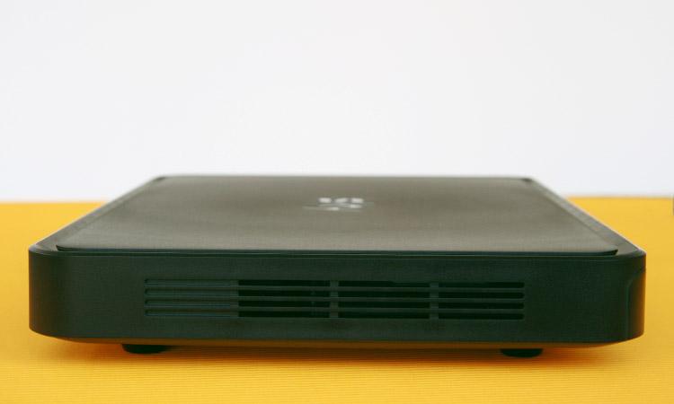 Sky+ Pro UHD-Festplattenreceiver Vorderseite