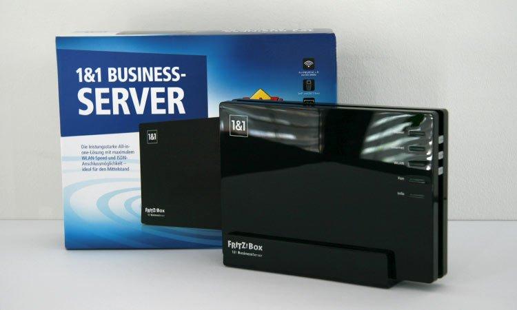 1&1 BusinessServer: Verpackung + Frontansicht